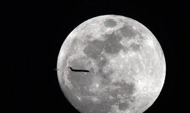 Αντίστροφη μέτρηση για το «σούπερ μπλε ματωμένο φεγγάρι»