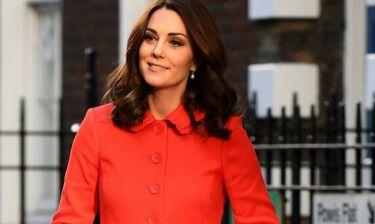 Γιατί η Κέιτ Μίντλετον δεν βγάζει (σχεδόν) ποτέ το παλτό της