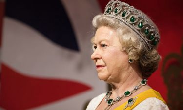 Αυτά είναι όλα τα παλάτια και τα κάστρα που ανήκουν στη Βασίλισσα Ελισάβετ (pics)