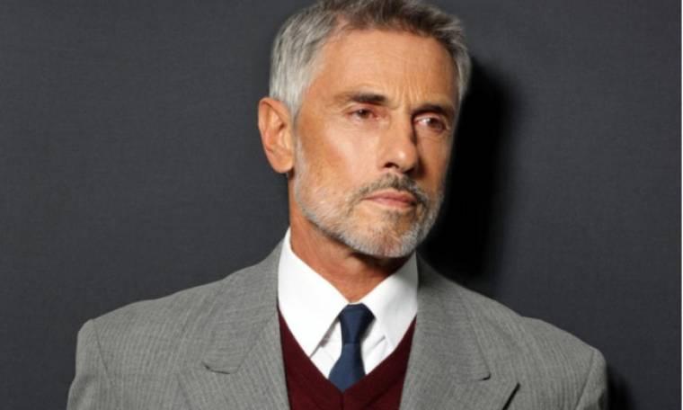 Σταύρος Ζαλμάς: «Οι ηθοποιοί έχουμε ένα πολύ μεγάλο δεκανίκι στη ζωή»