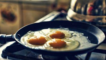 4 συνταγές για κάθε λάτρη του τηγανητού αβγού