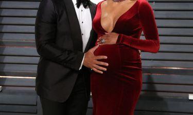 Επιτέλους! Σχεδόν έναν χρόνο μετά τη γέννα, star μας δείχνει την κόρη της για πρώτη φορά