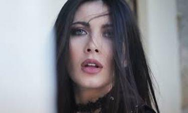 «Δεν μ' ενδιαφέρει»: Το νέο τραγούδι της Τάνιας Καρρά έχει την υπογραφή του Νίνο