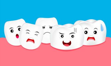 Διάβρωση δοντιών: Τροφές και ποτά που πολλαπλασιάζουν τον κίνδυνο