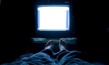 Θρόμβωση: Ο σοβαρός κίνδυνος για όσους βλέπουν πολλή τηλεόραση