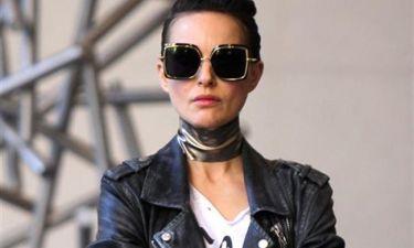 Αγνώριστη με το νέο της λουκ πασίγνωστη ηθοποιός
