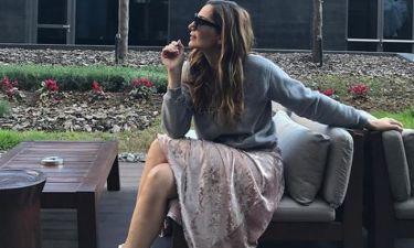 Η Δέσποινα Βανδή έπεσε στα πατώματα ποζάροντας σέξι