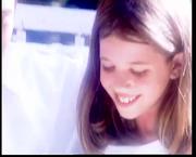 Ποια τραγουδίστρια σε μικρή ηλικία πρωταγωνίστησε στο video clip του Αδαμαντίδη «Μα που να πάω»
