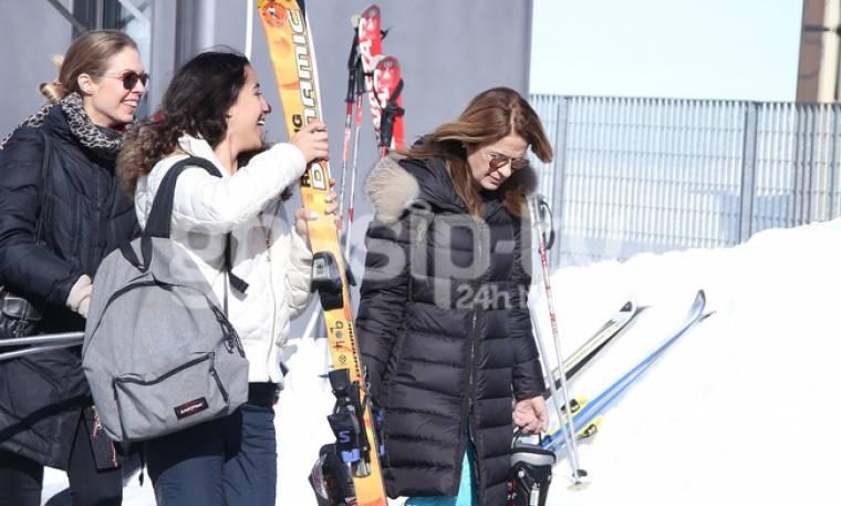Πέγκυ Σταθακοπούλου: Για σκι με την κόρη της στην Αράχωβα