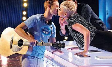 Παίκτης σε talent show πήρε το πρώτο του φιλί και μάλιστα ήταν από Kate Perry