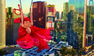 Tζένιφερ Λόπεζ: η σεξουαλική παρενόχληση, ο έρωτας και η Νέα Υόρκη στα πόδια της