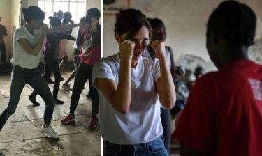 Βικτόρια Μπέκαμ: βγαίνει νοκ άουτ για τη δύναμη της γυναίκας