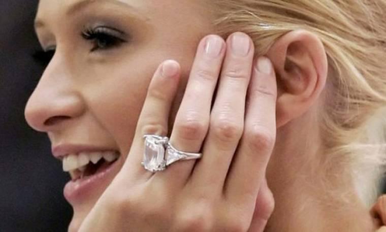 Λαχτάρισε η Paris Hilton: Έχασε το μονόπετρο της, αξίας 2 εκατομμυρίων δολαρίων (pics)