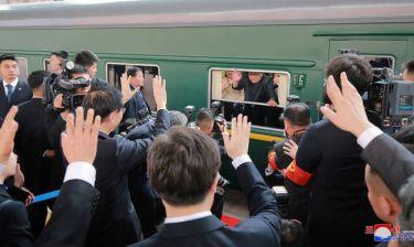 Γκουρμέ πιάτα, κρασί και ωραίες γυναίκες: Μια κλεφτή «ματιά» στο τρένο των ηγετών της Βόρειας Κορέας