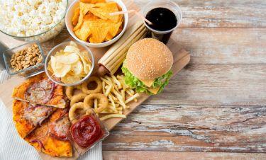 Τι προκαλεί μόλις ένα λιπαρό γεύμα στις αρτηρίες