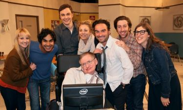 «The Big Bang Theory» κάνει πρεμιέρα μετά τον θάνατο του Χόκινγκ
