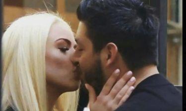 Power of Love: Ο τρελός έρωτας του Πάνου για τη Στέλλα: Η αφιέρωση και το καυτό φιλί!