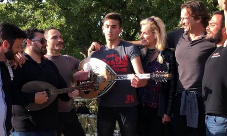 Ελένη Μενεγάκη – Μάκης Παντζόπουλος: Παραδοσιακό Πάσχα στην Κρήτη