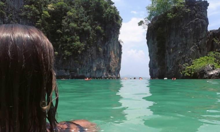 «Πρασινίσαμε» από την ζήλεια μας. Έκανε Πάσχα εκεί που γυρίστηκε η «Παραλία»