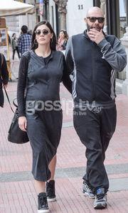 Μιχάλης Κουινέλης: Βόλτα στην Αθήνα με την εγκυμονούσα σύντροφο του