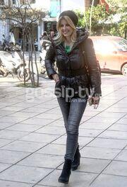 Έλενα Ράπτη: Βόλτα στην Θεσσαλονίκη με τους γονείς της
