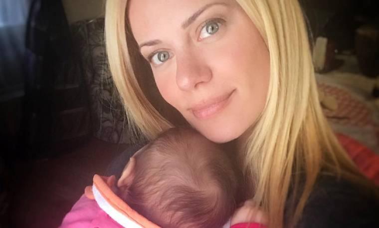 Λιώσαμε με την φωτογραφία της Μακρυπούλια με την ανιψιά της