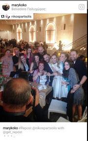 Γνωστός δημοσιογράφος έκανε πρόταση γάμου σε συνεργάτιδα της Σκορδά και χθες αρραβωνιάστηκαν!