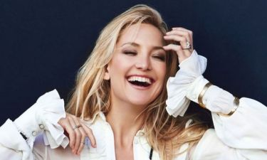 Η Kate Hudson φούσκωσε ήδη αρκετά και μας δείχνει την κοιλίτσα της στον «γάμο» της Gwyneth Paltrow