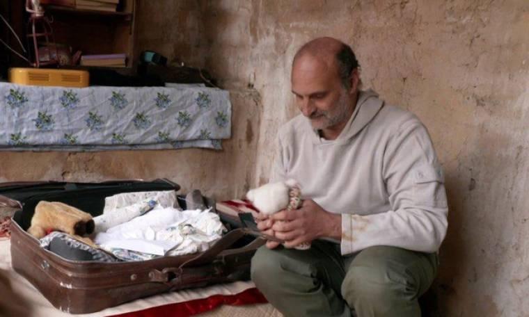 Οικογενειακές Ιστορίες:  «Άστεγος»