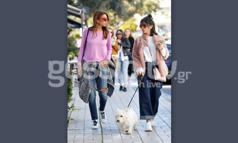 Ελένη Χατζίδου: Με την Τζο Λαζοπούλου βόλτα στην Γλυφάδα