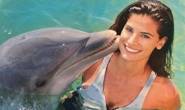 Χριστίνα Μπόμπα: Το κορίτσι και το δελφίνι