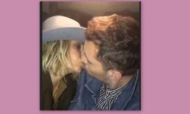 Άννα Βίσση: Τα καυτά φιλιά με νεαρό ταργουδιστή