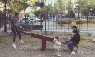 Η οικογένεια Βαρδή στην παιδική χαρά