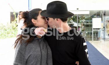 Άνθιμος Ανανιάδης-Μαρία Νεφέλη Γαζή: Η έξοδος από το μαιευτήριο και το τρυφερό φιλί στο στόμα