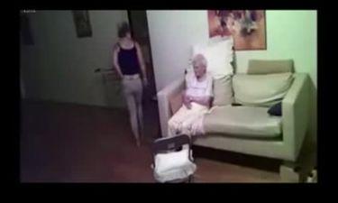 Εβαλε κρυφή κάμερα για να ελέγχει τη φροντίδα της μητέρας της. Οταν είδε τις εικόνες έπαθε σοκ (vid)