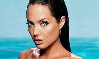 Κι όμως έτσι είναι η Angelina Jolie άβαφη