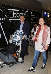 Χωμενίδης-Μπρέμπου: Χαμογελαστοί στο αεροδρόμιο