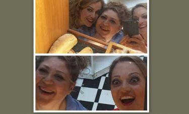 Καρακάση- Μπότση- Τσάφου: Βγάζουν selfie και το απολαμβάνουν