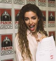 Η Ελένη Φουρέιρα ανανεώνει τη συνεργασία της με την Panik Records!