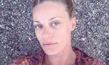 Ζέτα Μακρυπούλια: Έκανε τις πρώτες της βουτιές – Δείτε με ποιους πήγε παραλία