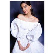 Η Σήλια Κριθαριώτη ντύνει και stars του Bollywood
