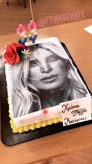 Γενέθλια στο πλατό για την Καινούργιου- Η έκπληξη της μητέρας της και η εντυπωσιακή τούρτα
