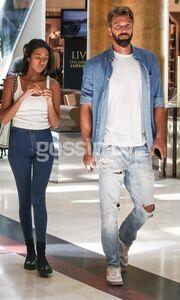 Βγήκε από το Survivor και πήγε για ψώνια με την κοπέλα του