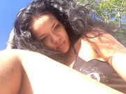 Rihanna: Γιατί δεν ξυρίζει τα πόδια της;
