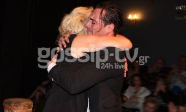 Άνθιμος Ανανιάδης: Η τρυφερή αγκαλιά με την μητέρα του και τα κλάματα