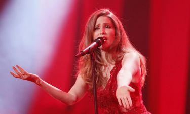 Eurovision 2018: Λετονία: Φωτιά στα κόκκινα η εμφάνιση του «αστείου κοριτσιού»