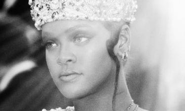 Bλάσφημο! Καθολικοί επιτίθενται στη Rihanna Πάπα για το Met Gala