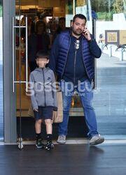 Τσολάκη-Πετρουλάκης: Ψώνια στο Μαρούσι με τον γιο του επιχειρηματία
