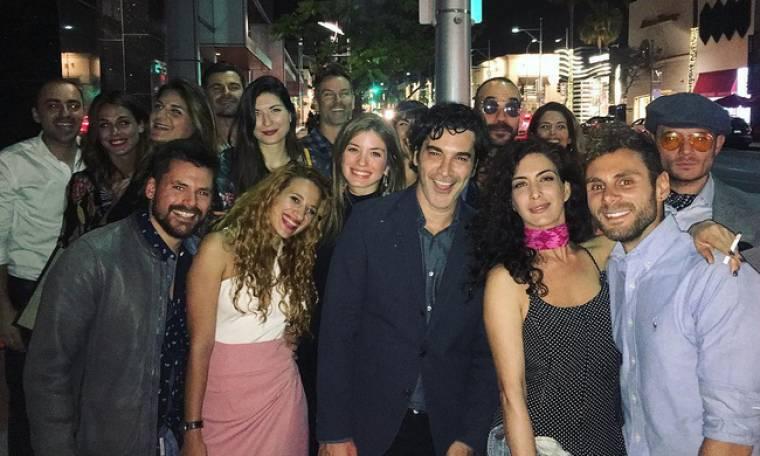 Όι Έλληνες στο Beverly Hills σε μία φωτογραφία