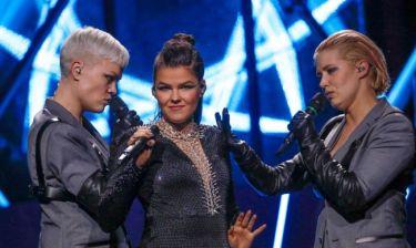 Eurovision 2018: Φινλανδία: Η... βουτιά στην αγκαλιά των χορευτών από την Saara Aalto